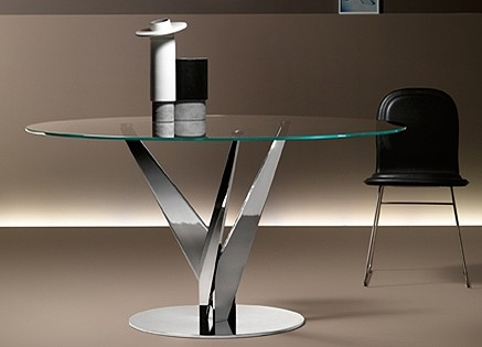 Epsylon dining table from Fiam