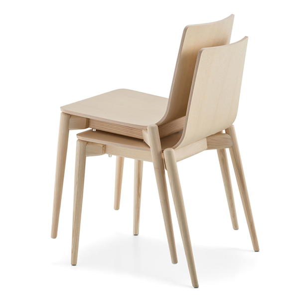 Malmo 390 chair from Pedrali