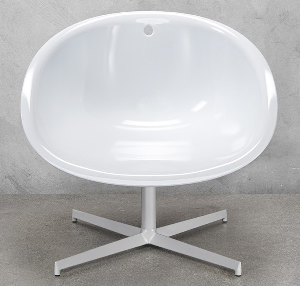Gliss Lounge 360 chair from Pedrali