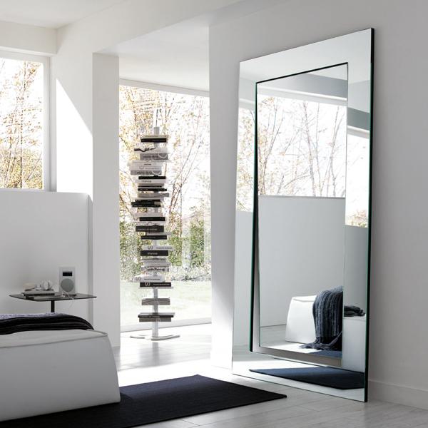 Gerundio mirror from Tonelli, designed by Giovanni Tommaso Garattoni