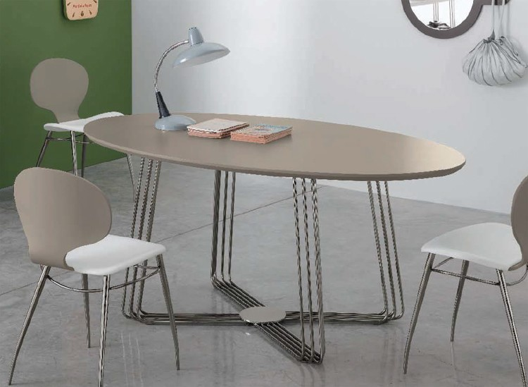 Octupus Oval dining table from Doimo
