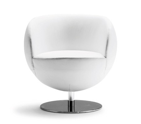Matchball lounge chair from Tonon