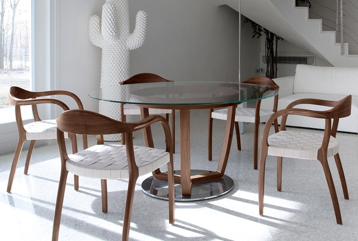 Time dining table from Tonon