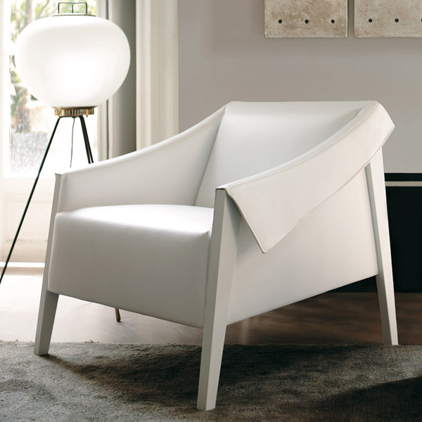 Ara lounge chair from Porada, designed by Giuseppe Vigano
