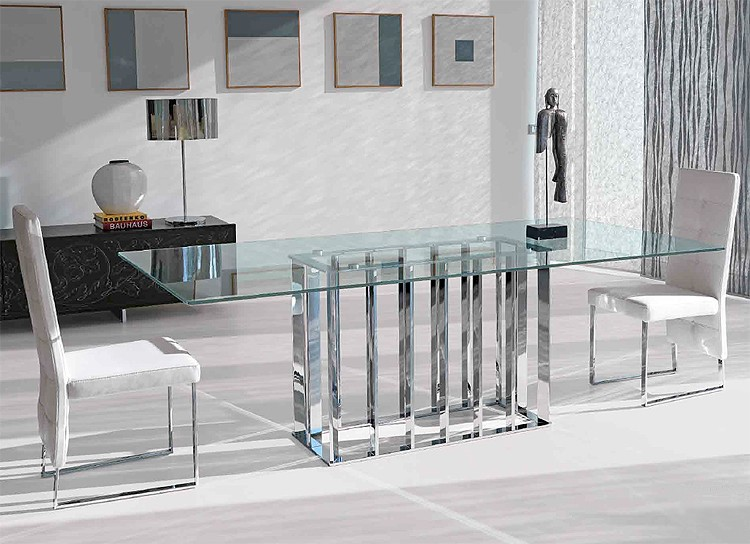 Place Vendome dining table from Steelline