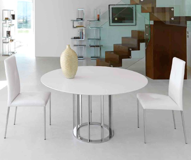 Asolo dining table from Steelline