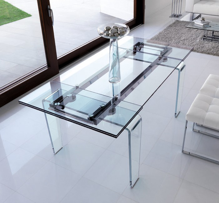 Ghost dining table from Steelline