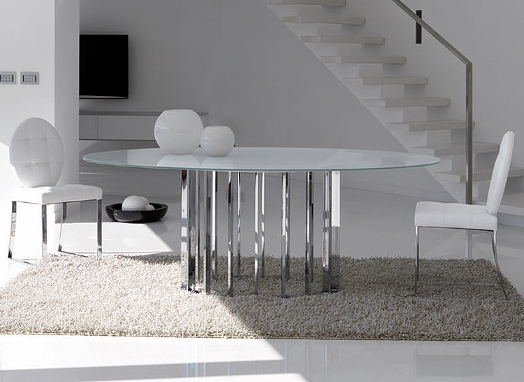 Embassy Glass dining table from Steelline