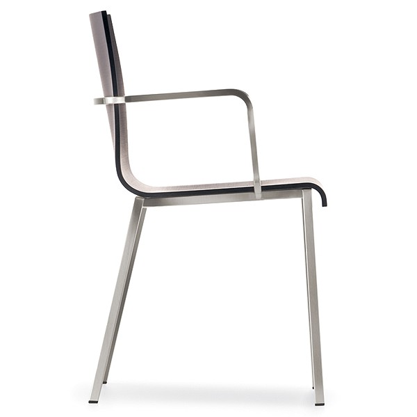 Kuadra XL 2412 chair from Pedrali, designed by Pedrali R&D