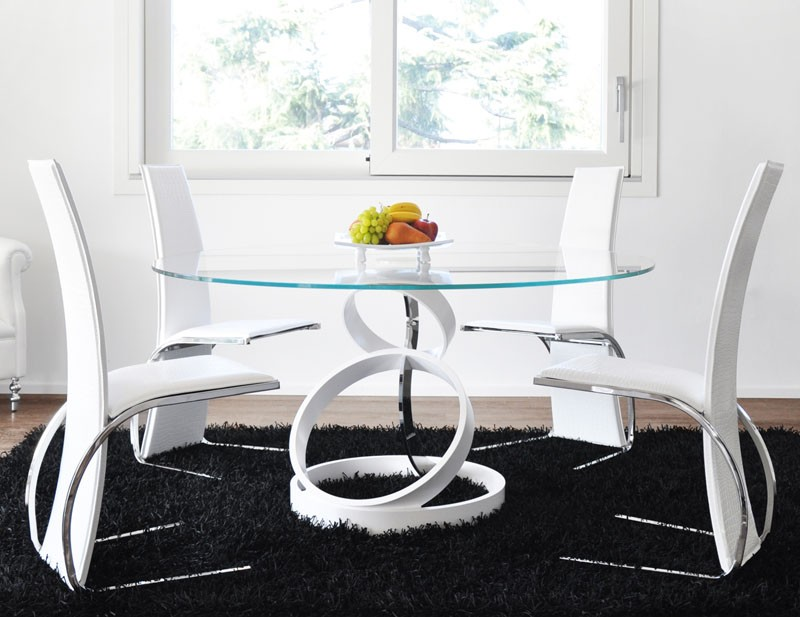 Trilogy dining table from Unico Italia