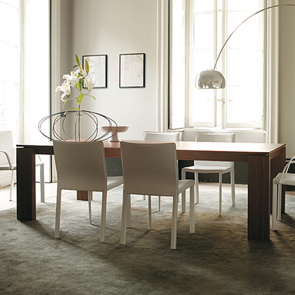 Kevin dining table from Porada