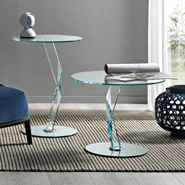 Bakkarat end table from Tonelli, designed by D'Urbino and Lomazzi
