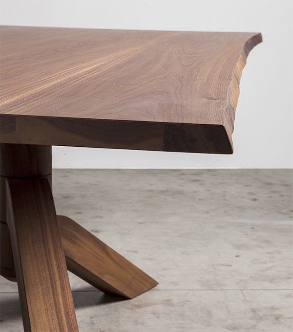 Keplero, dining table from Miniforms, designed by Paolo Cappello