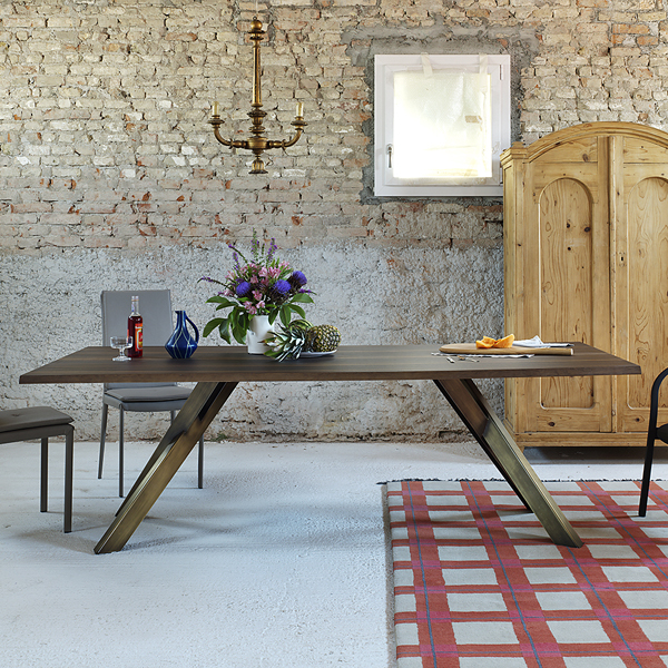 Gustave dining table from Miniforms, designed by Paolo Cappello