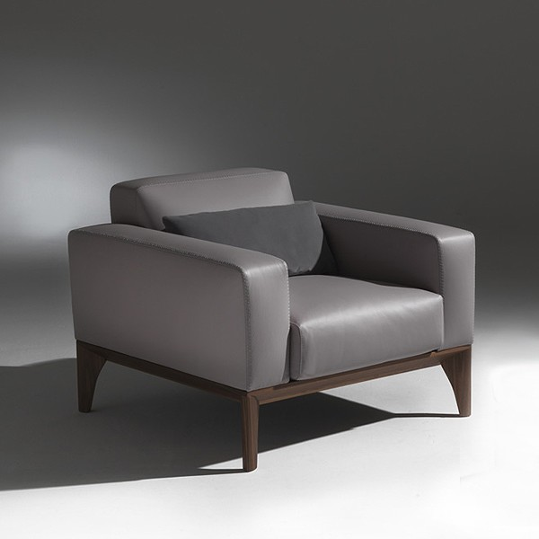 Fellow Poltrona lounge chair from Porada, designed by M. Marconato and T. Zappa