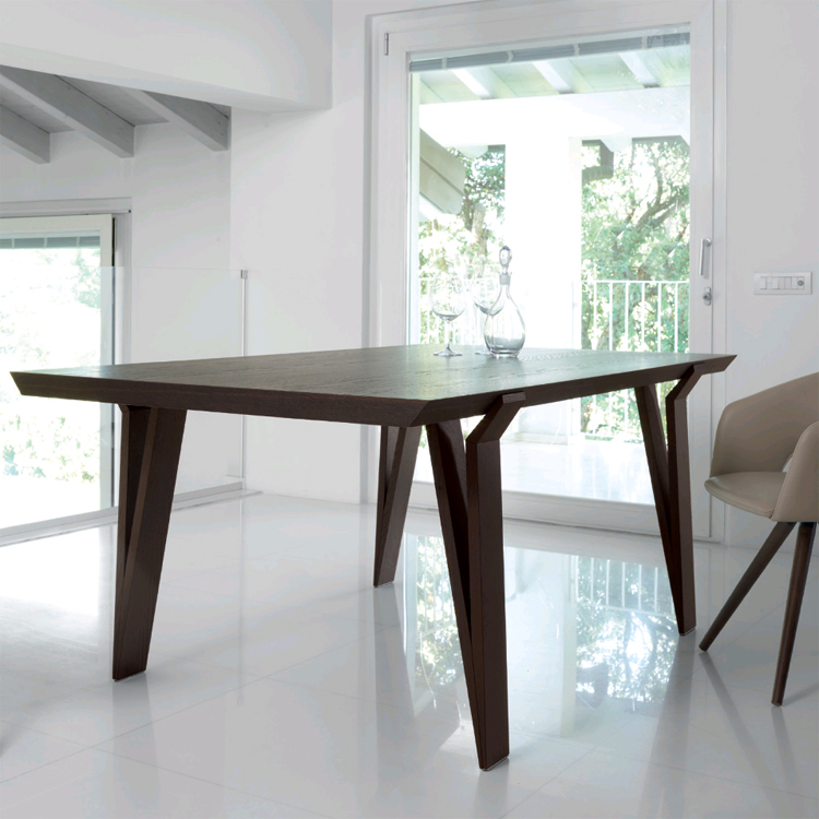 David, dining table from Antonello Italia