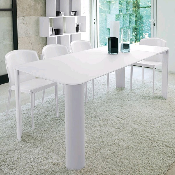 Mike dining table from Antonello Italia