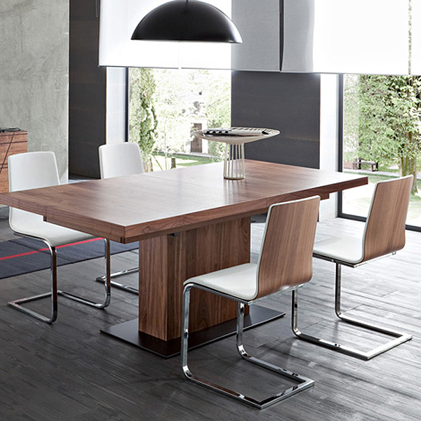 Vita dining table from DomItalia