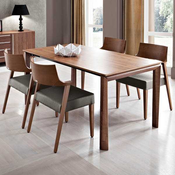 Universe-160 dining table from DomItalia