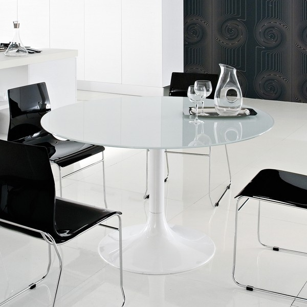 Corona-120, dining table from DomItalia