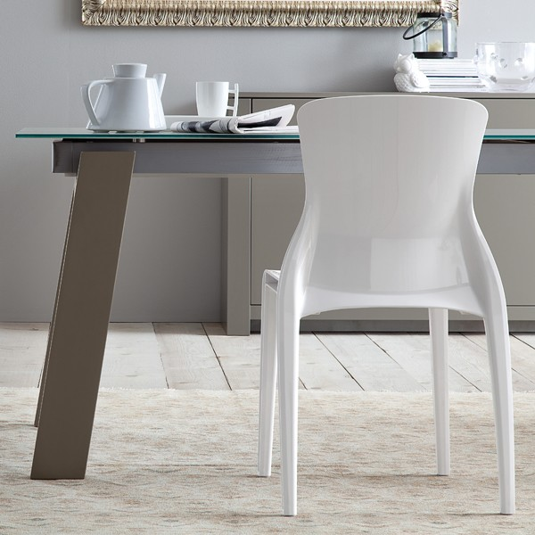 Must dining table from DomItalia
