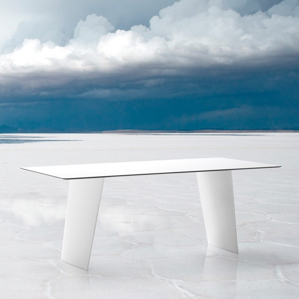 Stone-R dining table from DomItalia