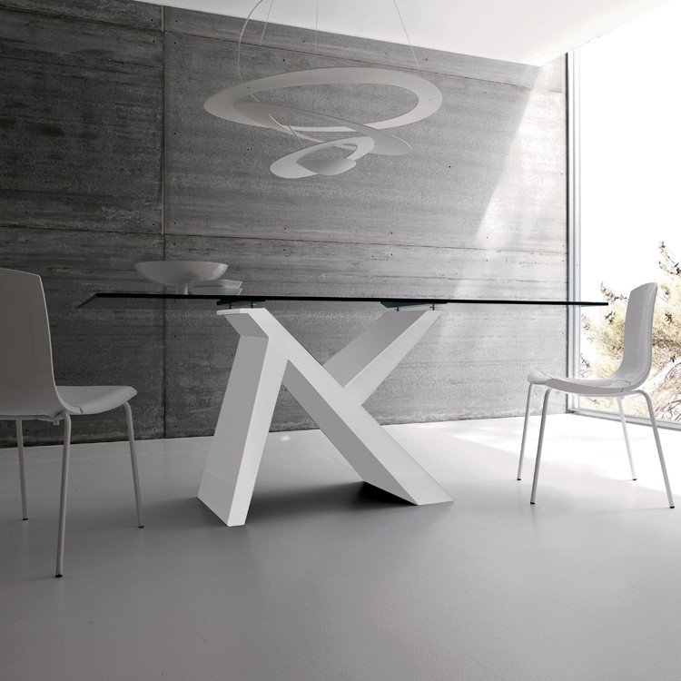 Ikarus dining table from Sedit