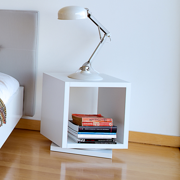 Shell 001 end table from TemaHome