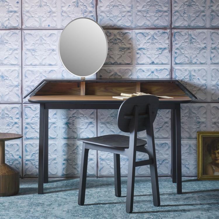 Tolda desk from Miniforms, designed by Valentina Carretta