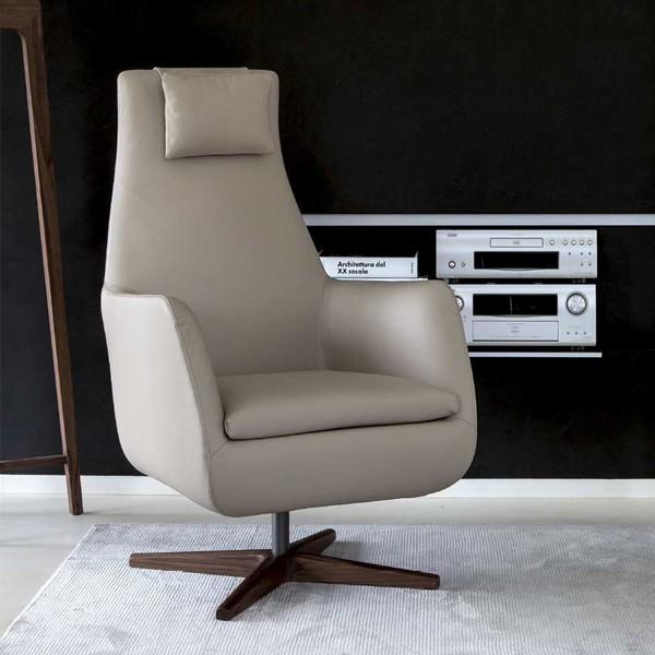 Daisy Girevole lounge chair from Porada, designed by P. Salvadé