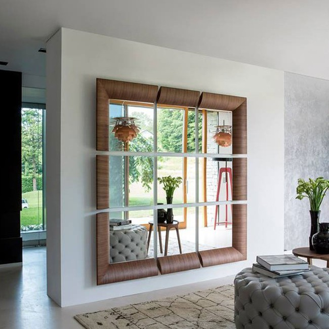 Triple mirror from Porada, designed by T. Colzani
