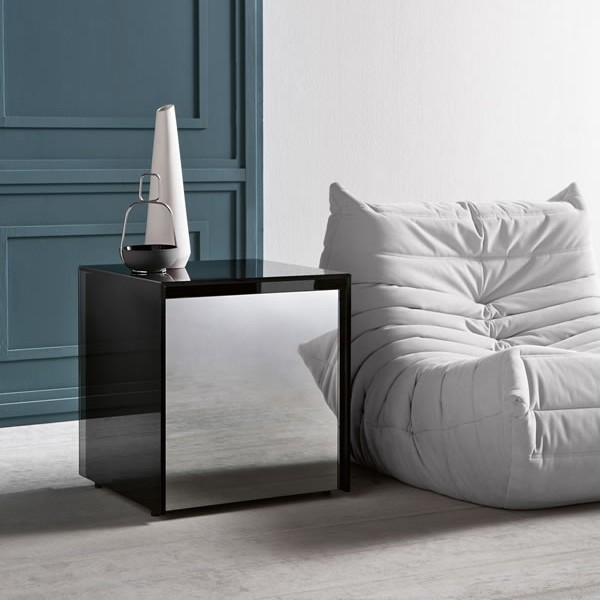 Gotham Side Table end from Tonelli, designed by Leonardi Marinelli
