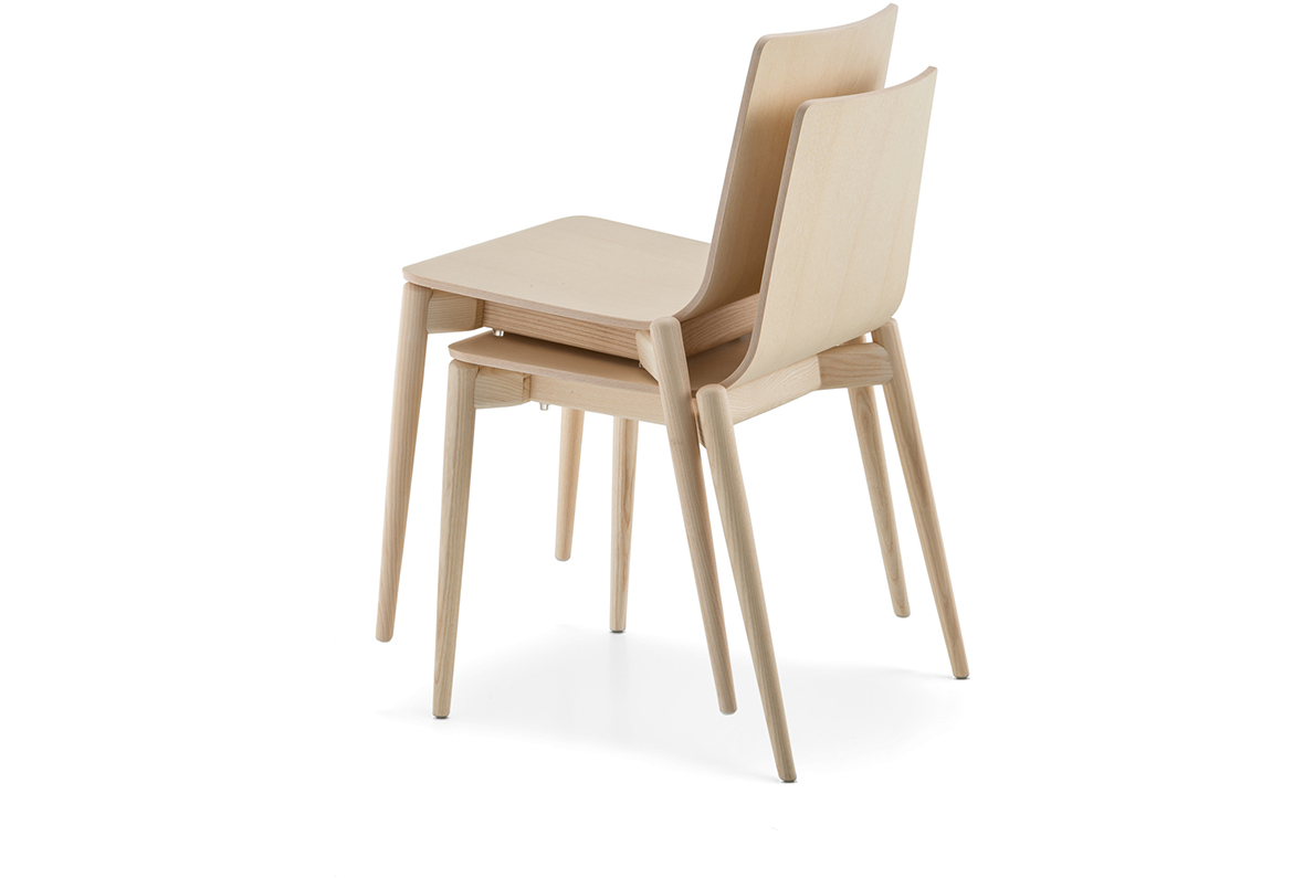 Malmo 390 chair from Pedrali, designed by CMP Design