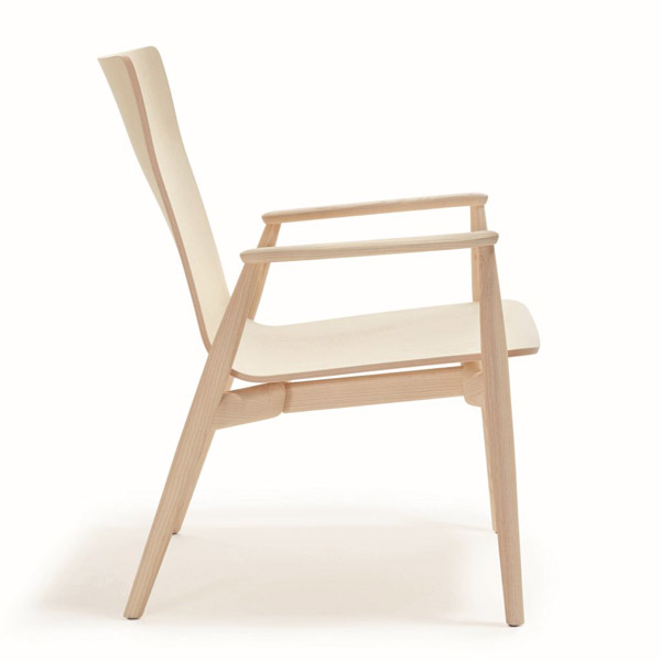 Malmo Relax 299 lounge chair from Pedrali, designed by CMP Design