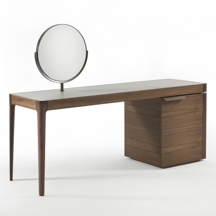 Afrodite desk from Porada, designed by C. Ballabio