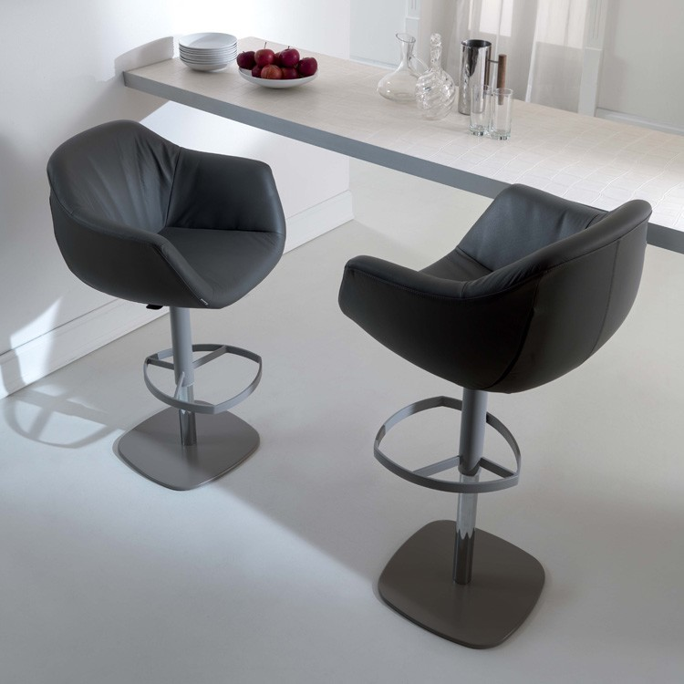 Piquet S550 stool from Ozzio
