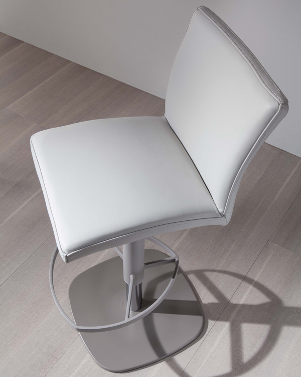 Slang S560 stool from Ozzio