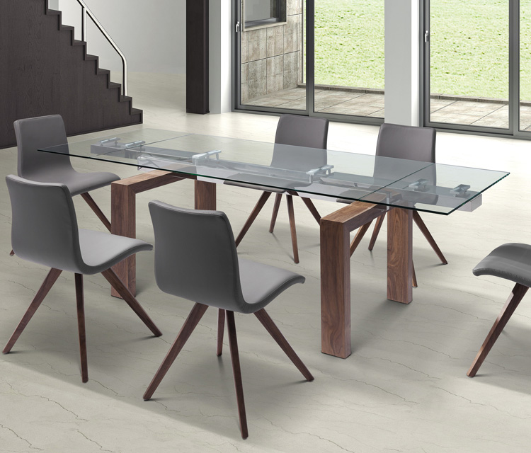 Davy, dining table from Whiteline