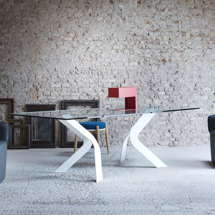 Bipede dining table from Miniforms