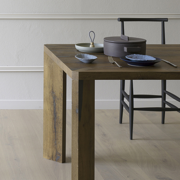 Manero dining table from Miniforms, designed by Paolo Cappello