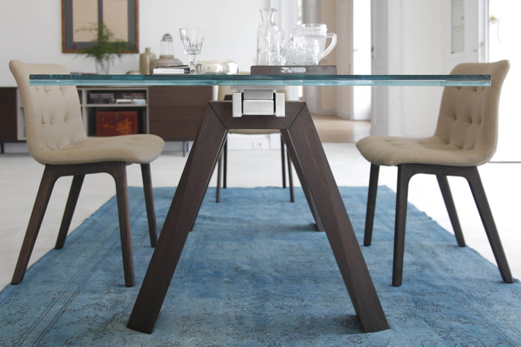 Aron dining table from Bontempi