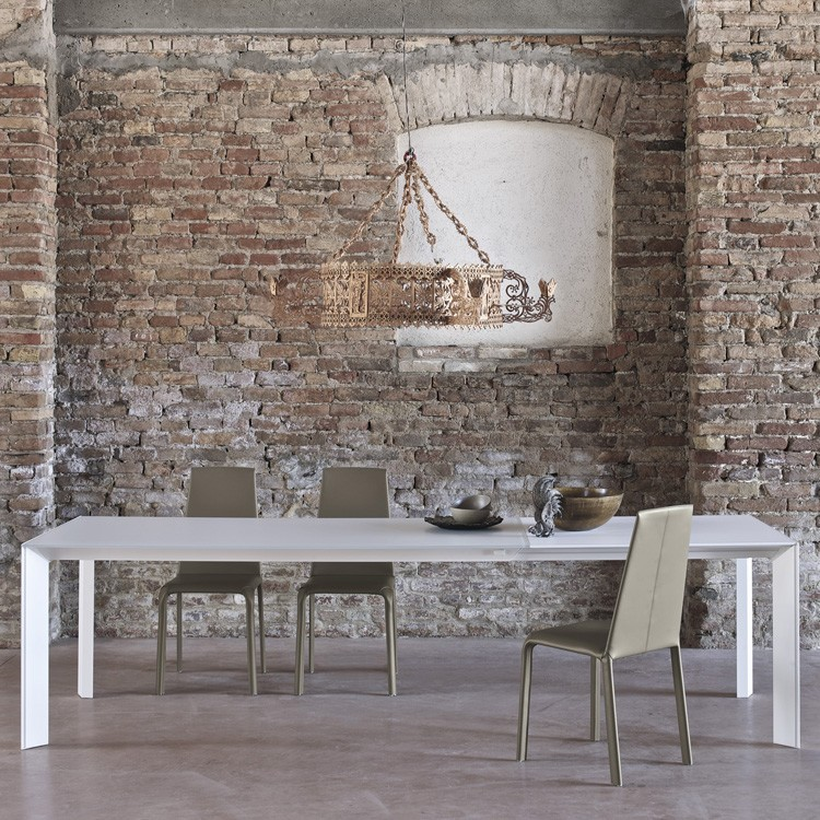 Genio dining table from Bontempi, designed by  R&D Bontempi Casa