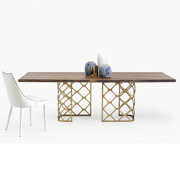 Majesty dining table from Bontempi, designed by Marco Corti