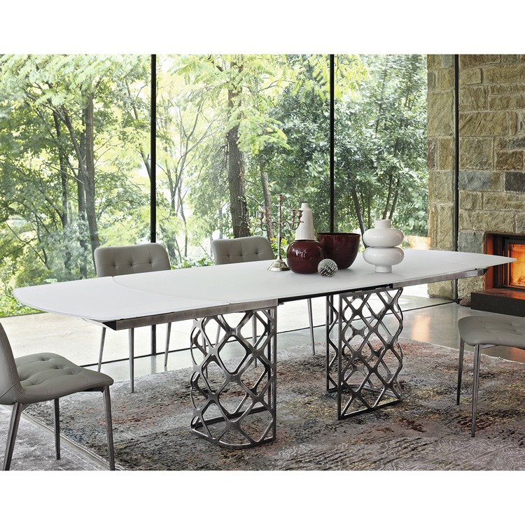 Majesty Ex, dining table from Bontempi
