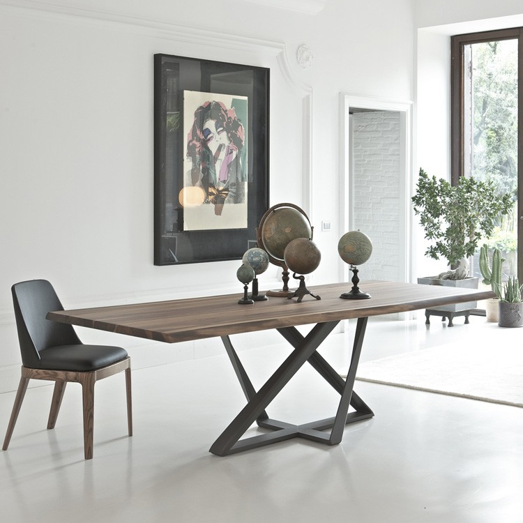 Millennium dining table from Bontempi