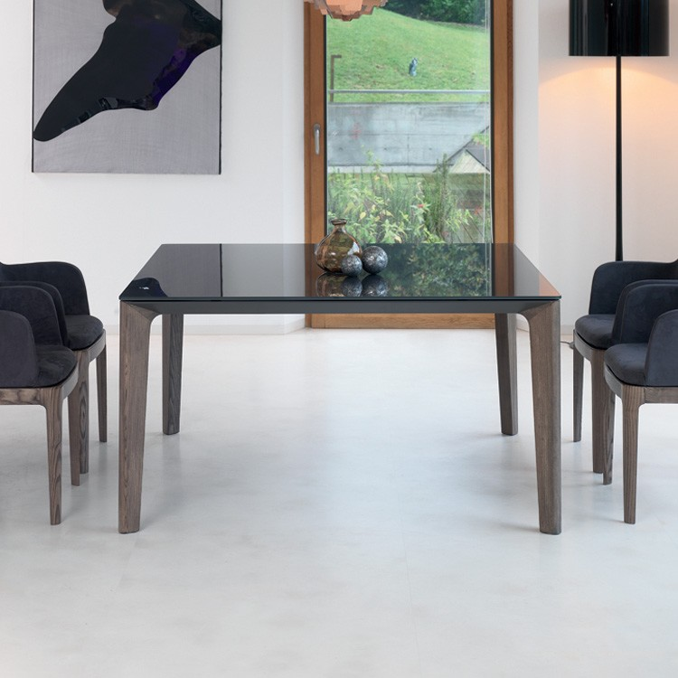Versus dining table from Bontempi