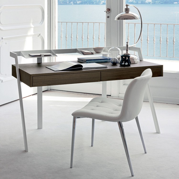 Zac desk from Bontempi, designed by  R&D Bontempi Casa