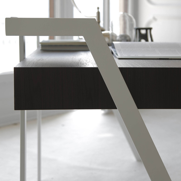 Zac, desk from Bontempi