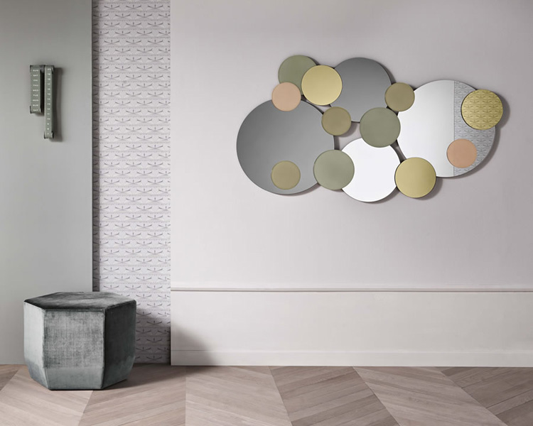 Atomic mirror from Tonelli, designed by Giovanni Tommaso Garattoni
