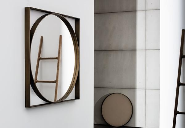 Visual Geometric mirror from Sovet